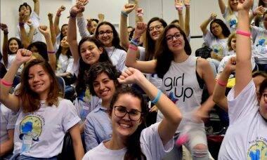 """Estudantes no evento """"Mergulho na Ciência"""", da USP / Foto: Divulgação"""