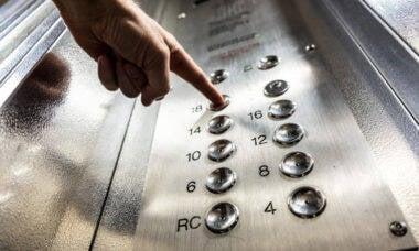 cuidados no uso do elevador por crianças