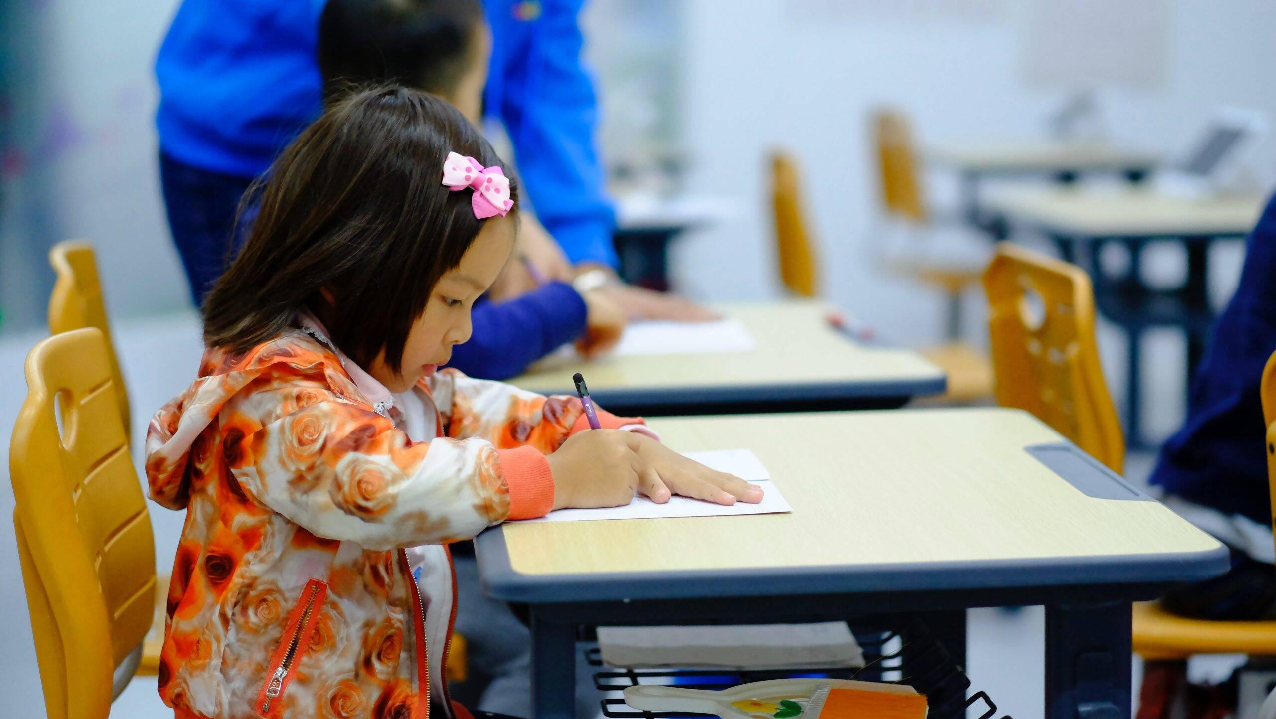 Volta às aulas pode causar morte de 17 mil crianças