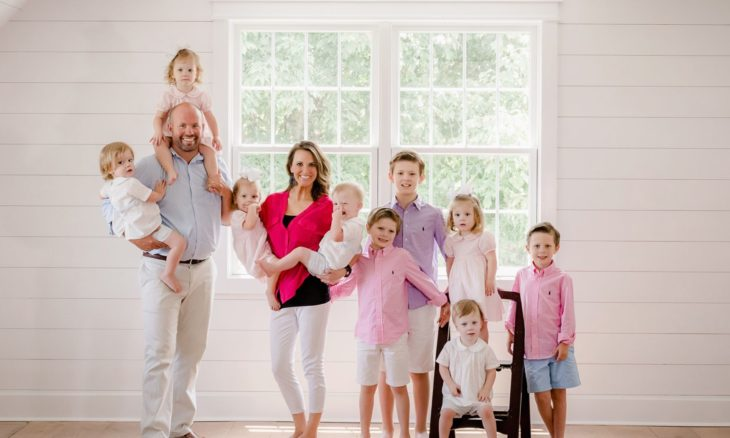 Casal que já era pai de três crianças tem sêxtuplos e mostra vida da família em reality show