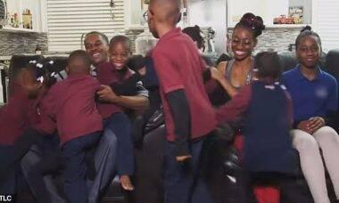 Casal com 11 filhos e à espera de trigêmeos mostra a vida da família em reality show