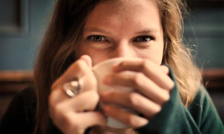 Especialistas contestam estudo que recomenda que grávidas parem de consumir café