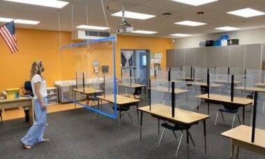 Professores americanos mostram como estão as salas na volta às aulas presenciais