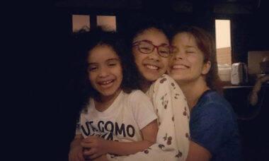 """Atriz Samara Felippo fala sobre imposição em ter filhos: """"Não sei se fui mãe por vontade própria"""""""