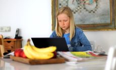 Como reduzir o estresse das crianças no ensino remoto