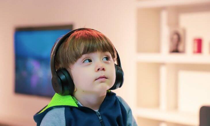 Crianças com deficiência têm dificuldades extras com ensino a distância