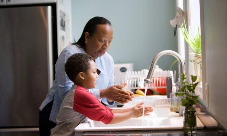 Crianças e adolescentes podem desenvolver TOC na pandemia