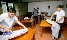 Escola na Espanha ensina meninos a fazerem tarefas domésticas