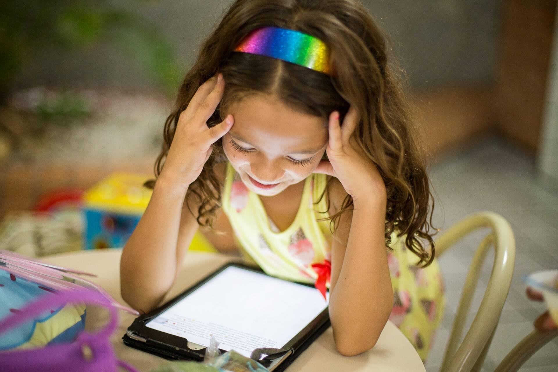 Livros digitais estimulam leitura de crianças e jovens