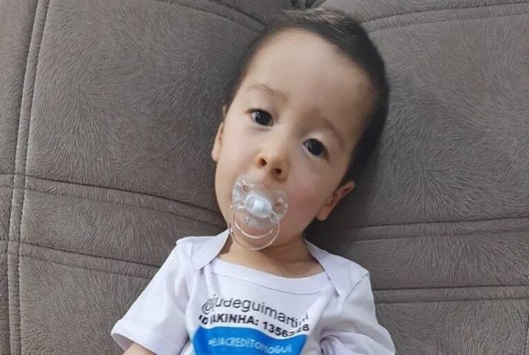 """Família faz vaquinha para bebê que precisa de remédio """"mais caro do mundo"""""""